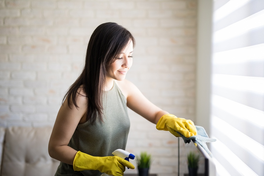 Window treatment maintenance_Cleaning Blinds